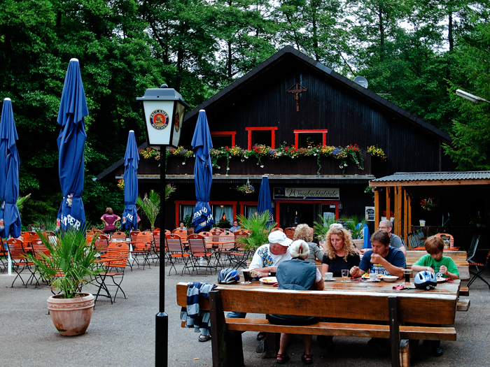 森の中のレストラン